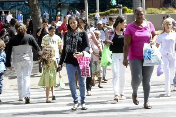 Mulheres caminhando