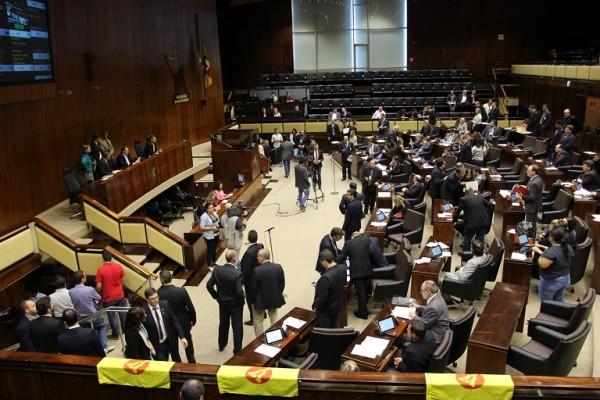 Assembleia vota1