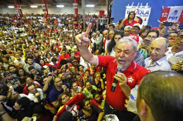 Lula na quadra2