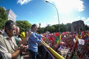 13/03/2016 - Coxinhaço em defesa da democracia. Foto: Guilherme Santos/Sul21
