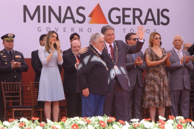 Minas e Mujica
