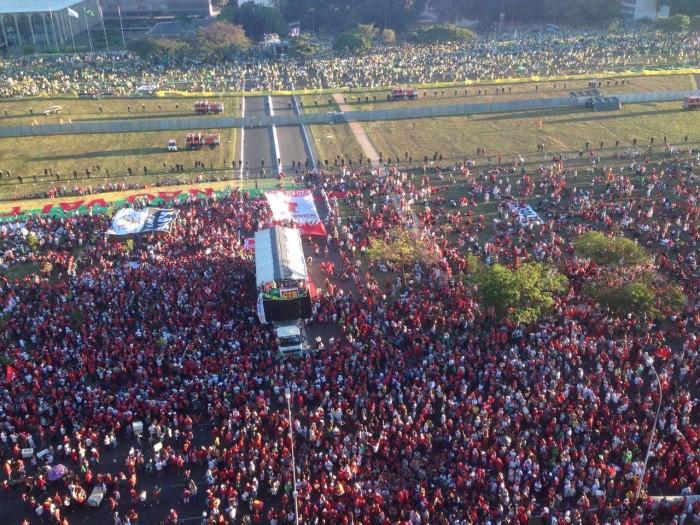 Povo em Brasília