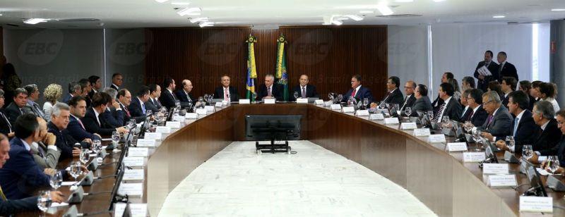 Brasília - O Presidente em exercício, Michel Temer reúne-se com governadores (Wilson Dias/Agência Brasil)