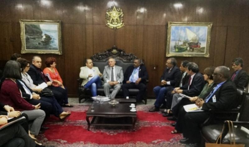 Reunião no Senado