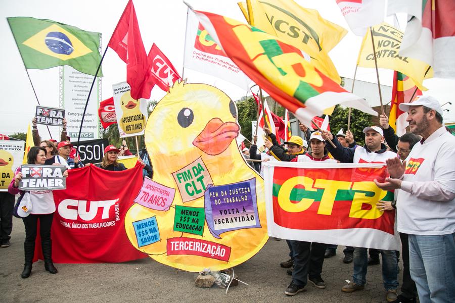 Centrais contra reformas