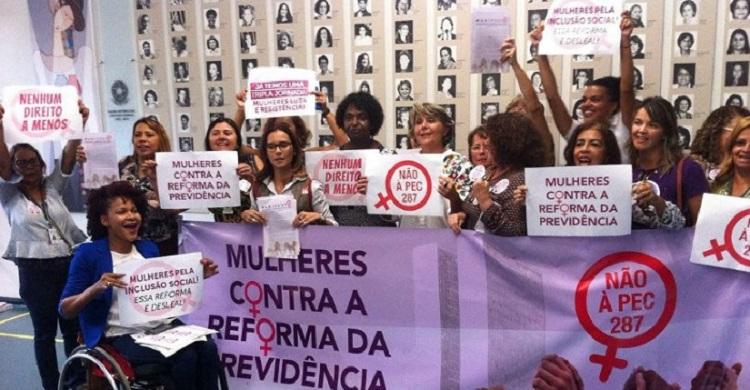 Mulheres contra reforma