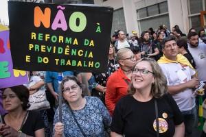 Não às reformas
