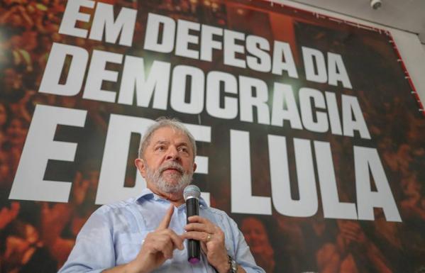 Lula em defesa da democracia