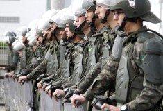 Militares perfilados