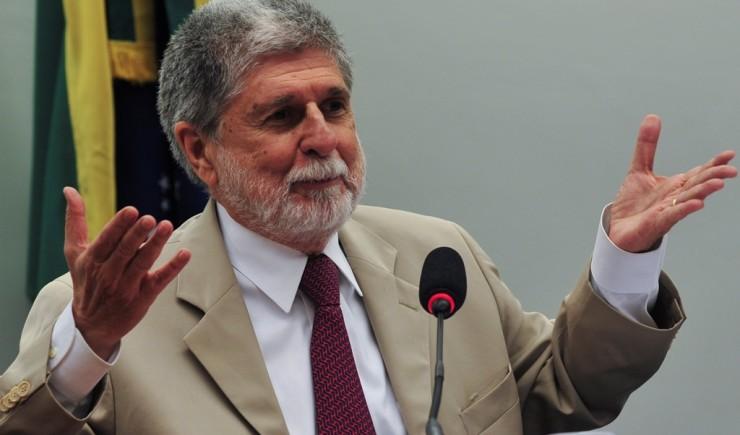 O ministro da Defesa, Celso Amorim, fala sobre a política de defesa brasileira em audiência pública na Comissão de Relações Exteriores da Câmara (Antonio Cruz/Agência Brasil)