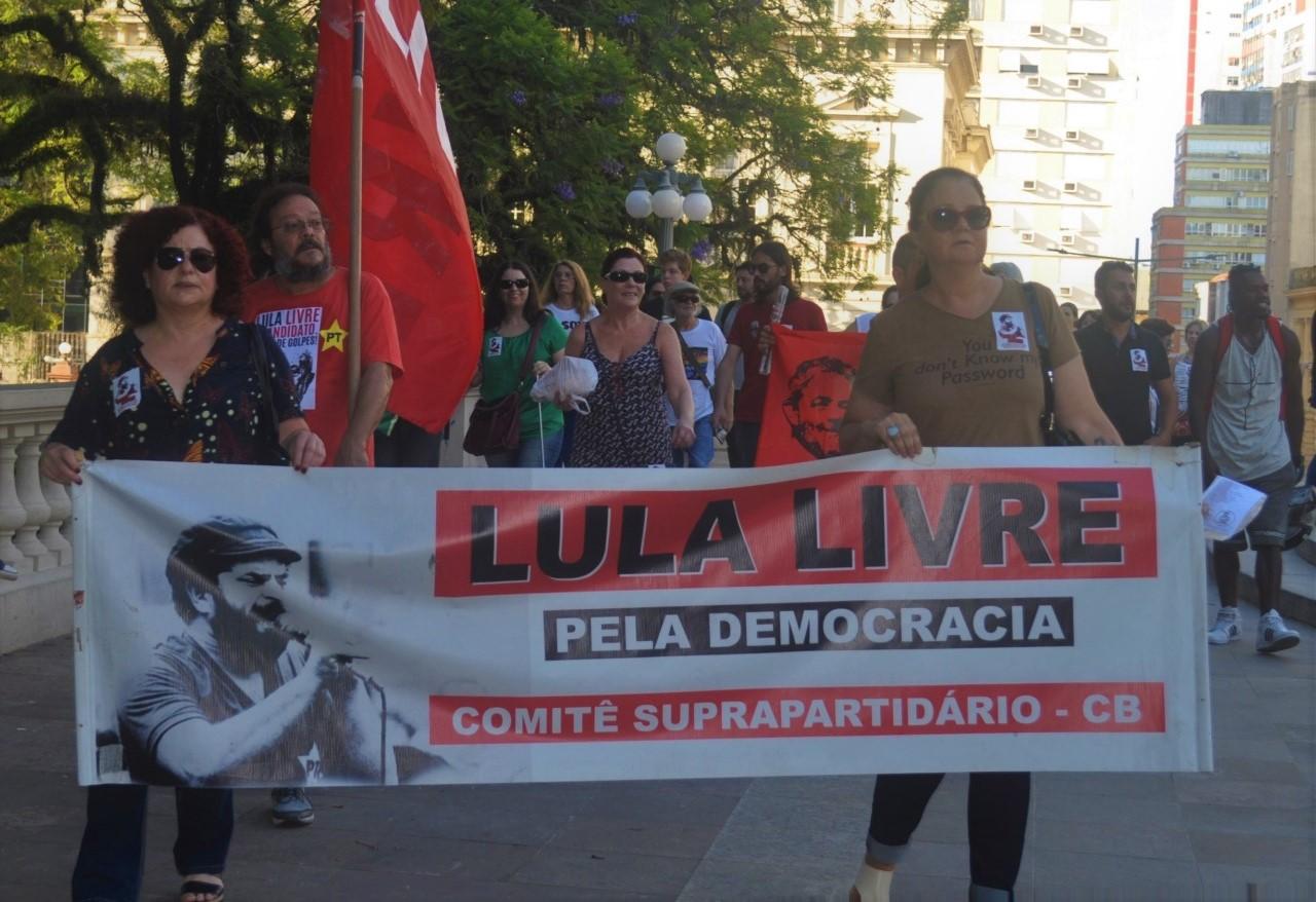 Lula livre caminhada