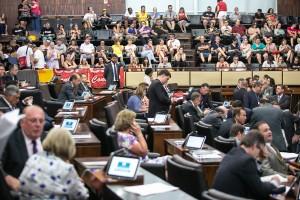 Assembleia vota 0201