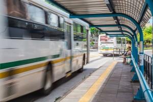 Ônibus na parada