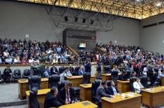 Plenário lotado