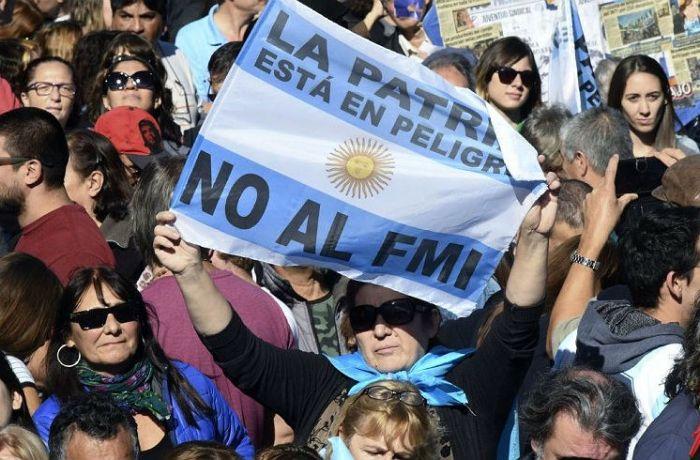 Argentinos rumo à greve