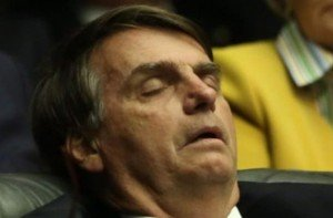 Bozo dormindo