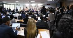 Comissão aprova (2)