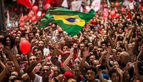 Mobilização com bandeira
