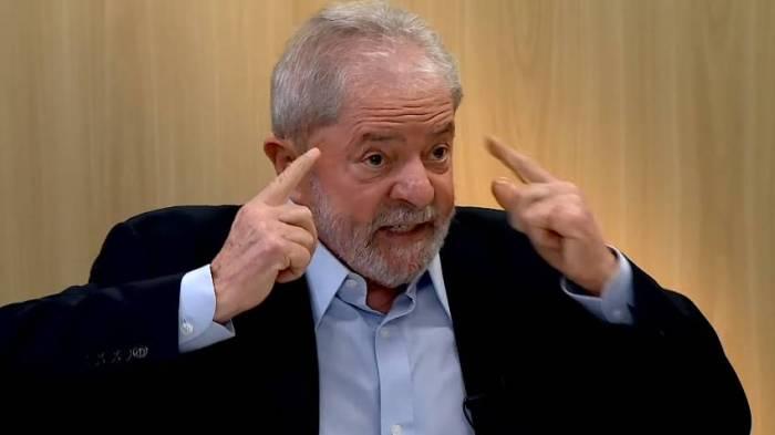 Lula fala