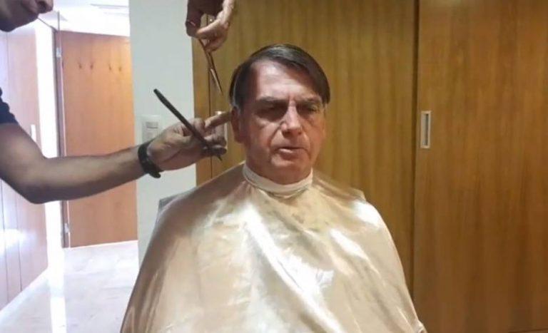 Bozo cortando cabelo
