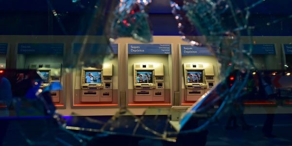 Caixas de bancos (2)