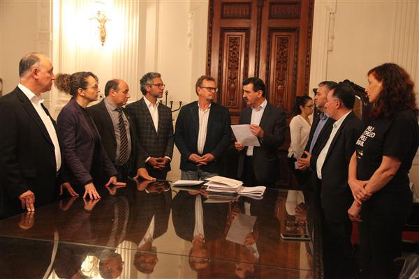 Deputados no Palácio
