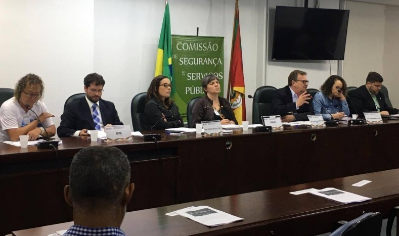 Comissão debate (3)
