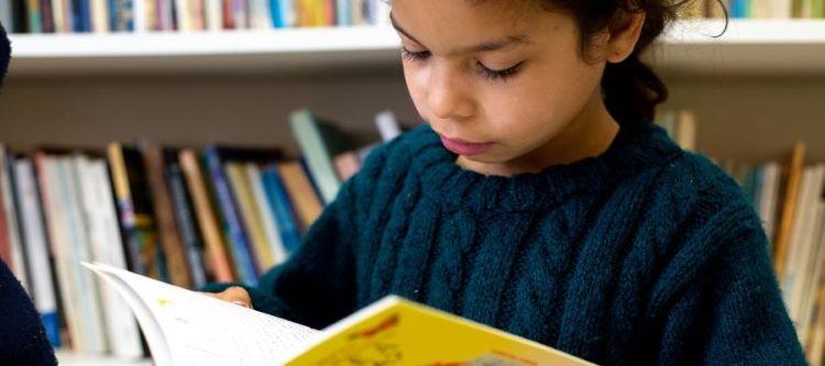 Criança estudando1 (2)