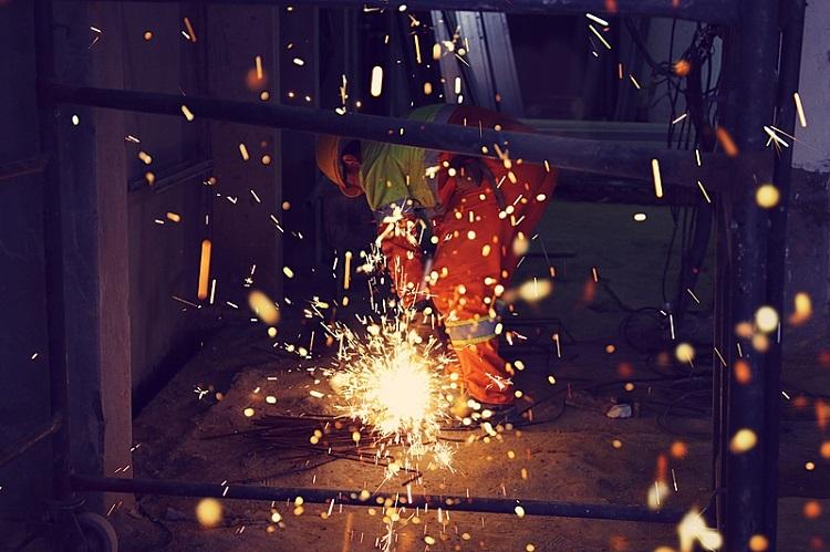 Metalúrgico no trabalho