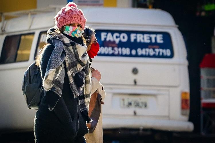 Frio e de máscara