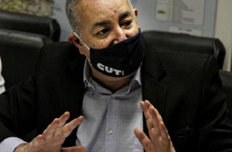 Sergio Nobre de máscara