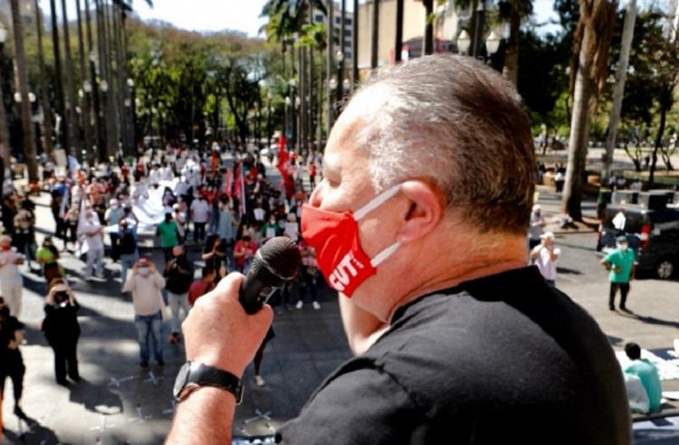 Sergio Nobre de máscara1