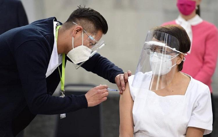 Enfermeira vacinada
