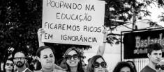 Poupando na educação