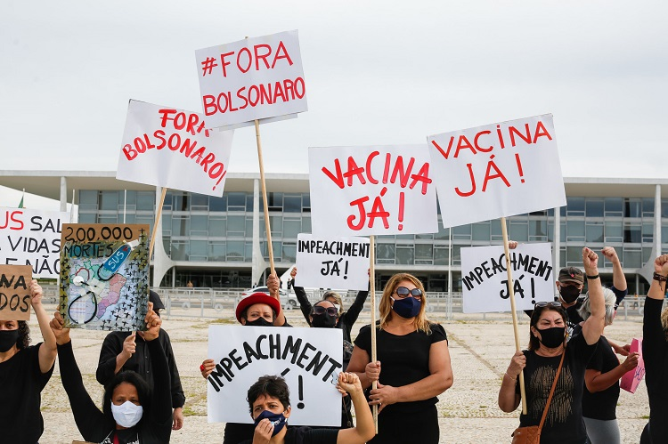 Protesto-200MilMortos-PalacioDoPlanalto-Faixa-Covid19-Coronavirus-08Jan2021