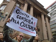 contra censura