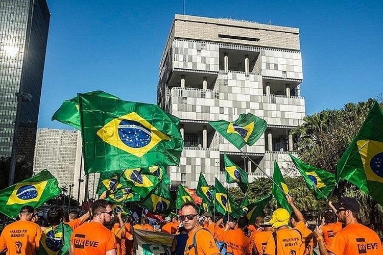 Petroleiros e Brasil