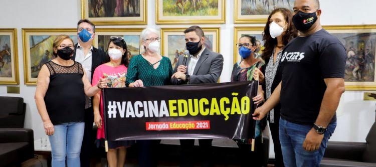 Vacina Educação
