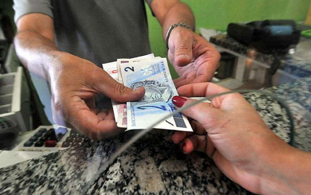 Dinheiro no guichê