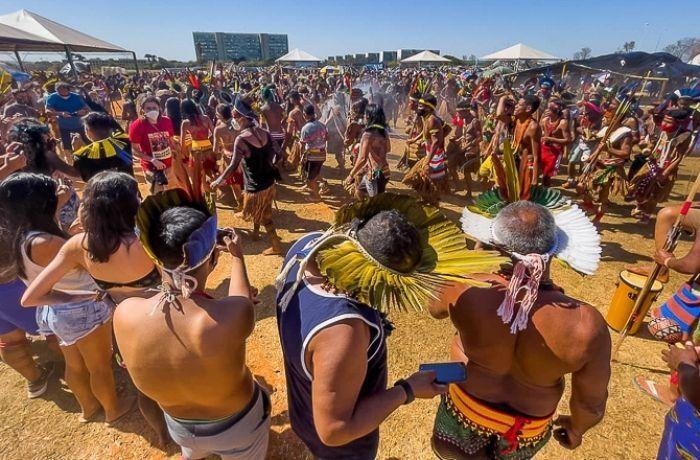 Indígenas13